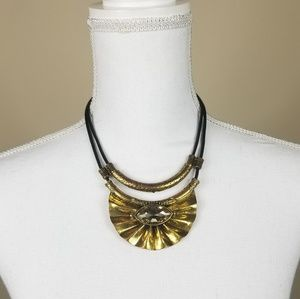 Jewelry - Necklace with clear Stone